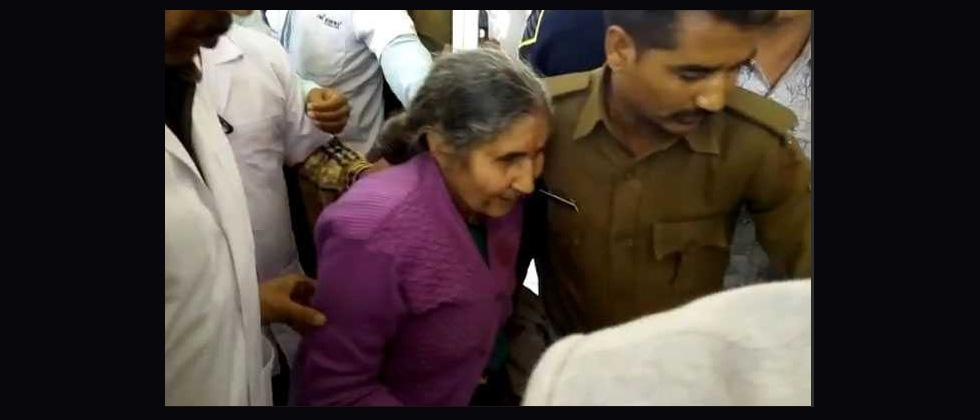PMs wife Jashodaben injured, her relative killed in accident