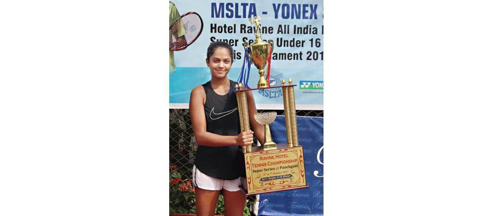 Sanya Singh poses with her trophy at Ravine Hotel in Panchgani on Saturday.