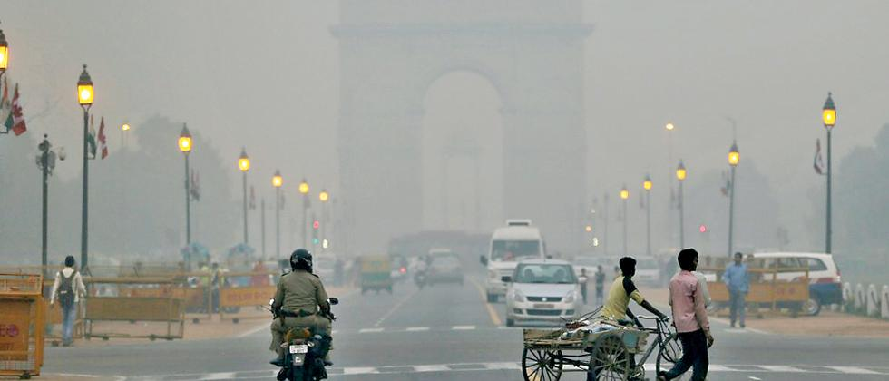 Can free public transport save polluted cities?