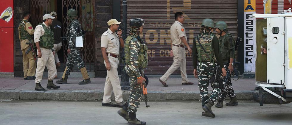 Barricades removed in Srinagar's commercial hub Lal Chowk