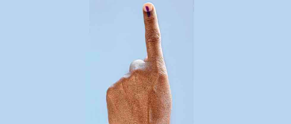 57.01 pc voter turnout in Maharashtra by 5 pm