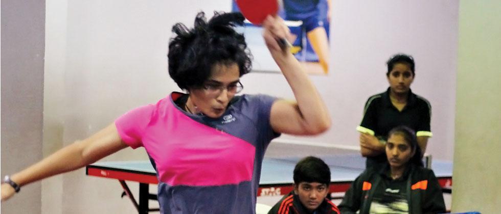 Eesha Joshi in action against Saloni Shah