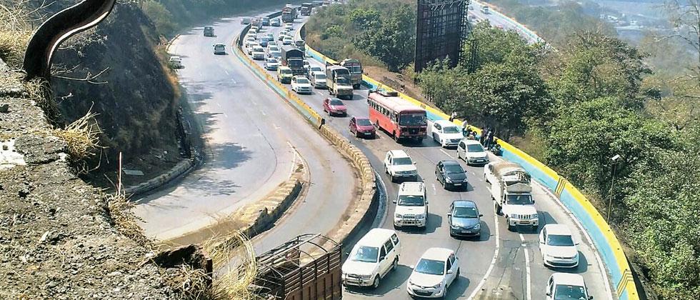 Traffic on Expressway