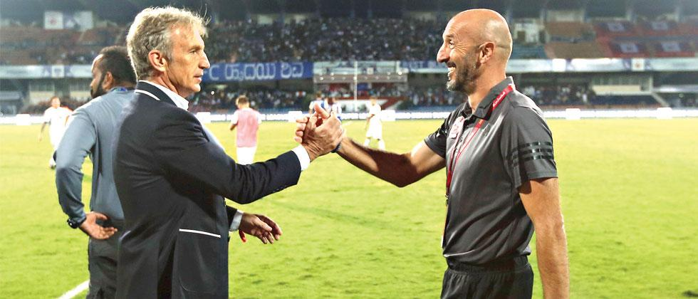 FC Pune City's coach Ranko Popovic and Bengaluru FC's coach Alberto Rocca