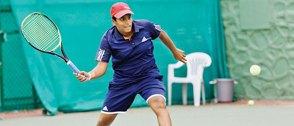 Sonal Patil in action against Saina Deshpande at Balewadi Sports Complex on Wednesday. Vaibhav Thombare/Sakal Times