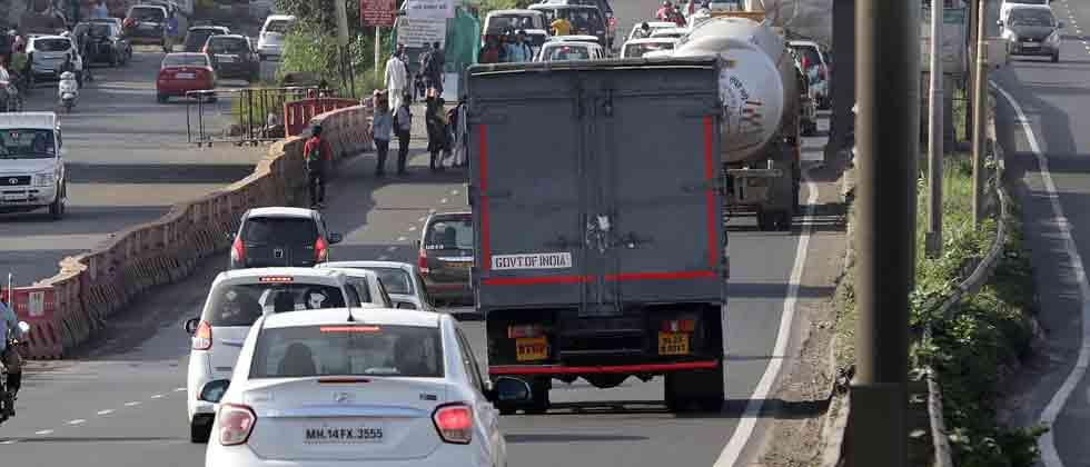 Ban on heavy vehicles from Shivaji Chowk to Wakad Bridge