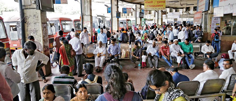 Passengers stranded at Shivajinagar ST station due to sudden agitation started on Pune-Nashik highway near Chakan. All buses were stopped plying from Shivajinagar ST stand.