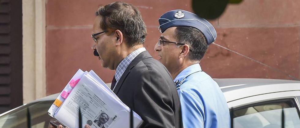 IAF officers assist SC on Rafale deal case