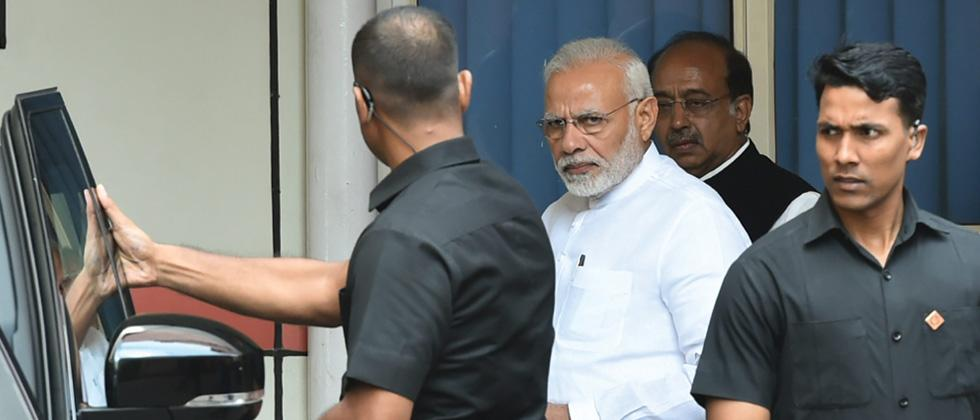 PM visits AIIMS again to enquire about Vajpayee's health