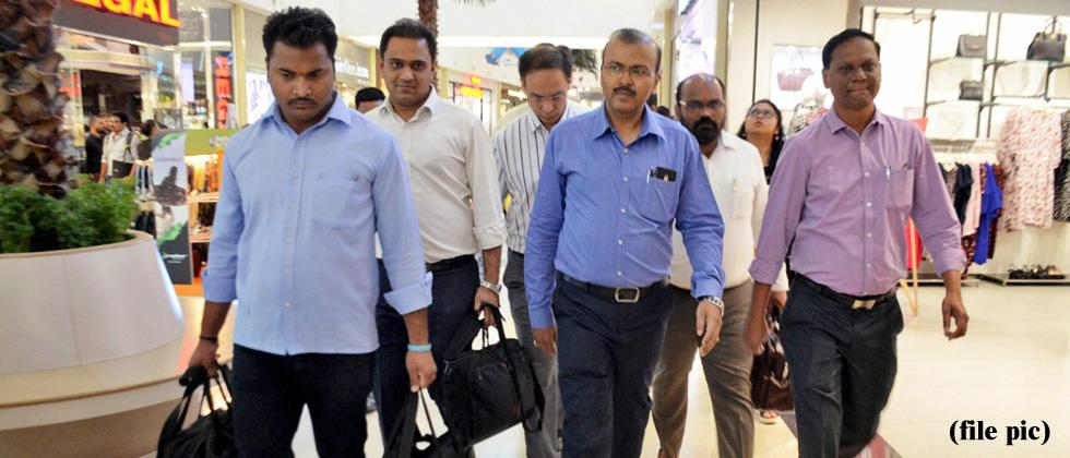 PNB fraud: ED freezes Nirav's bank account, shares worth Rs 43 cr