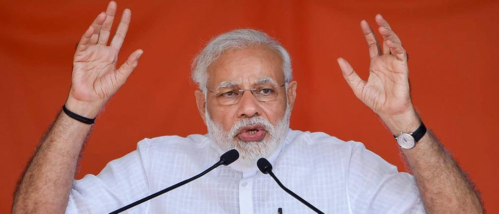 "No place for Dalits and backwards in the ""heart"" of Cong: Modi"