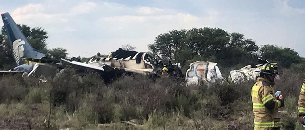 12 critically injured in Mexico plane crash