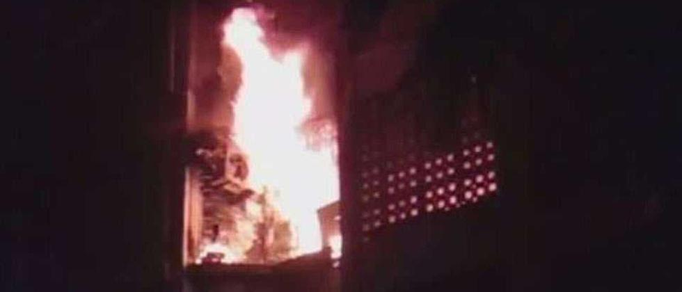 Four of family charred in Mumbai fire