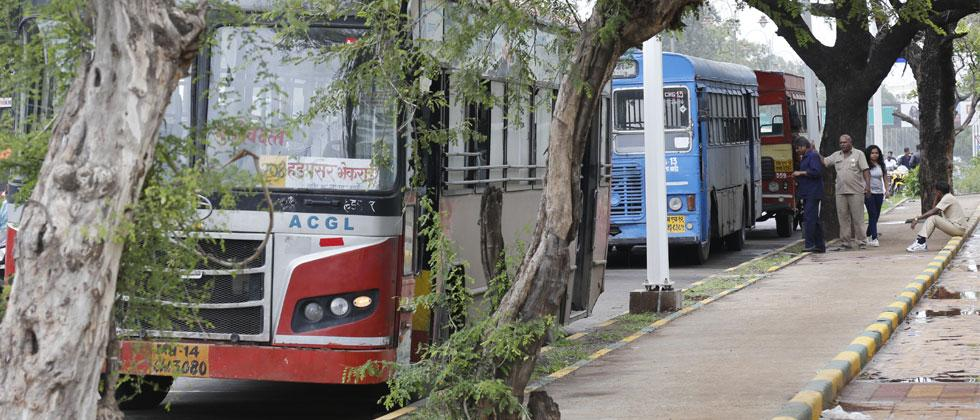 The PMPML buses broken down near Indira Vasahat at Ganeshkhind Road on Monday. Vaibhav Thombare/Sakal Times