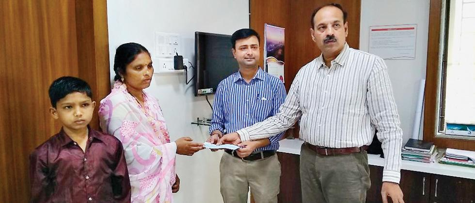 Forest guard's widow offered clerk's job in Bhor sub-division