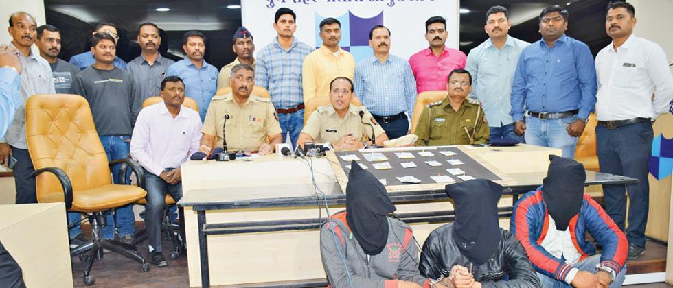 Police bust gang of high-flying burglars