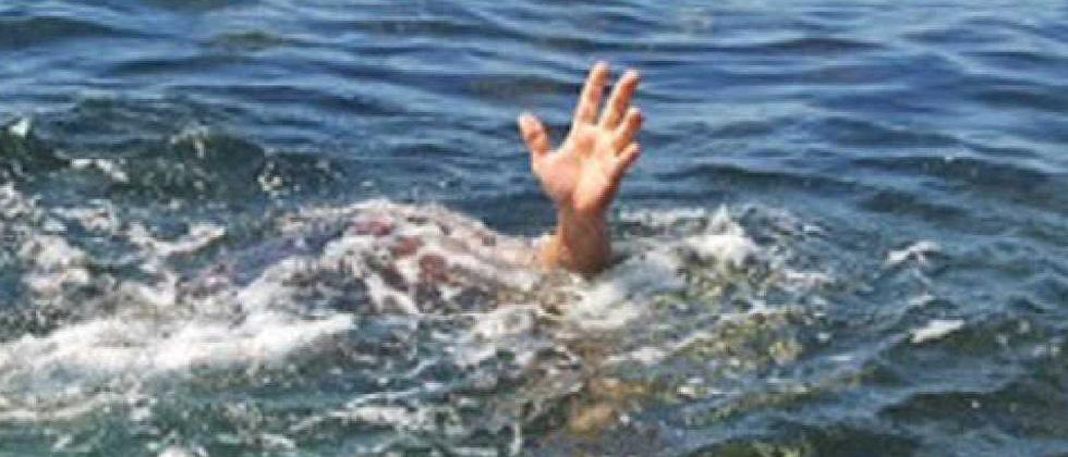 Siblings drown while trying to save mother