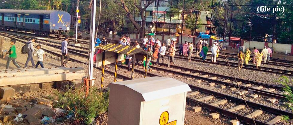 540 killed while crossing railway tracks in 1 yr