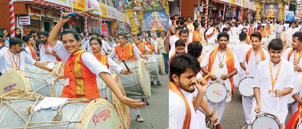 Puneites enjoy day soaked with festive spirit of Ganeshotsav as well as rains