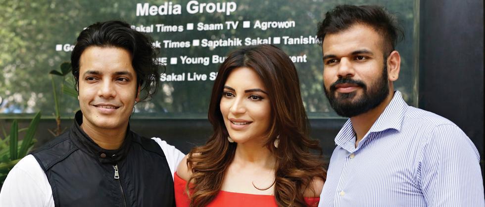Shama Sikander with executive producer Rizwan Sikander (left)and director Sam Khan. Parag Jadhav/Sakal Times