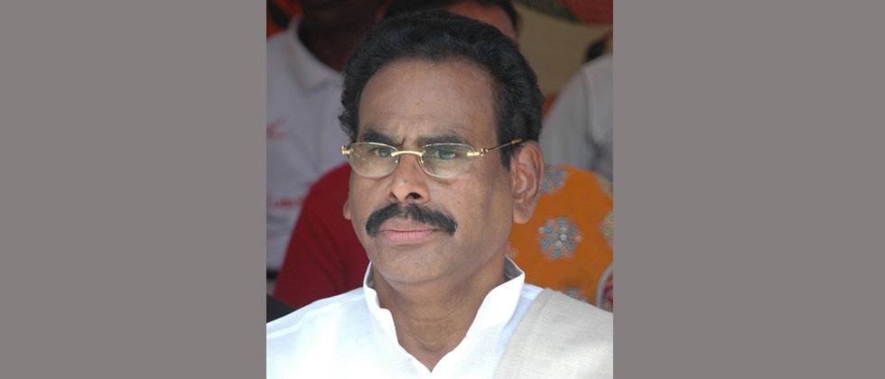 Sasikala's husband M Natarajan dies