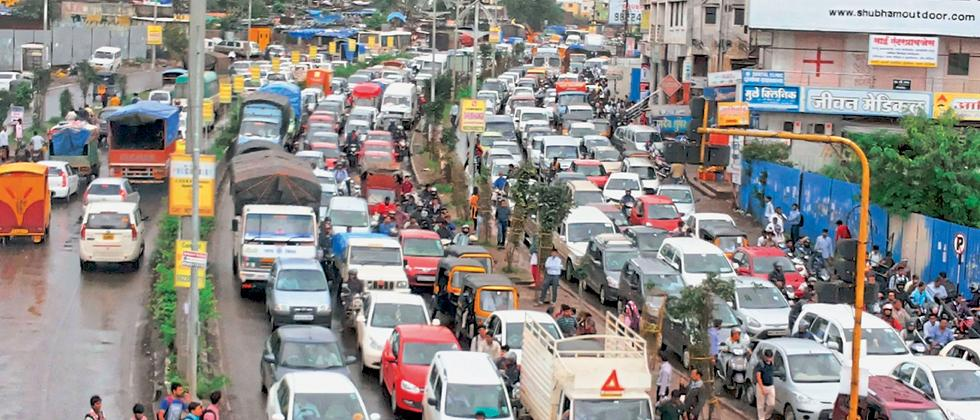 Traffic jams, potholes embarrassing while dealing with foreign clients