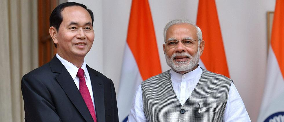 Prime Minister Narendra Modi with the President of the Socialist Republic of Vietnam, Tran Dai Quang, at Hyderabad House, in New Delhi on Saturday. Photo-Atul Yadav/PTI