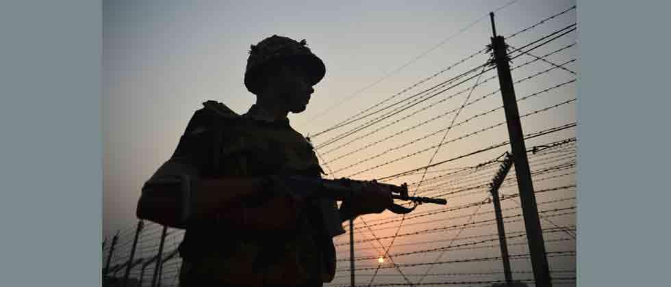 Four militants killed, three Army jawans injured in Pulwama encounter
