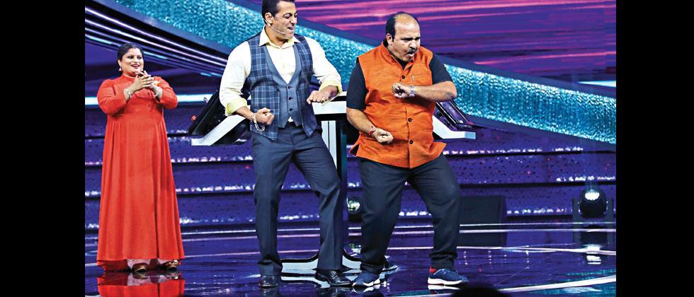 Dancing uncle shakes a leg with Salman Khan on Dus Ka Dum
