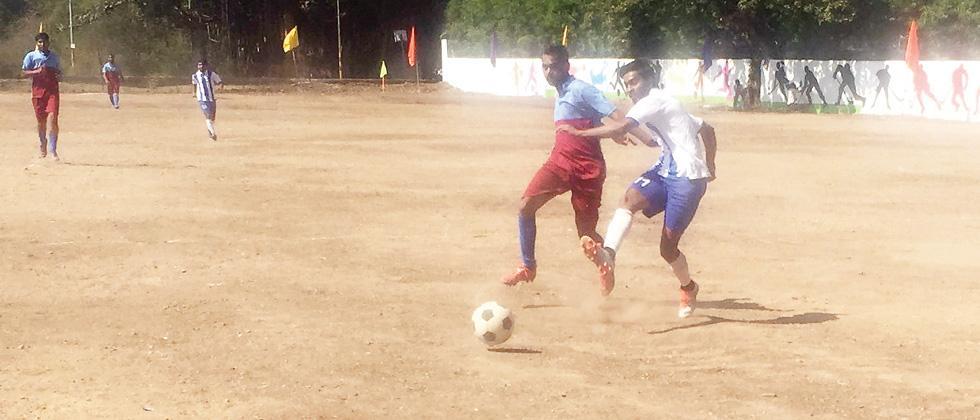 KP XI, City Club, Strikers FC advance
