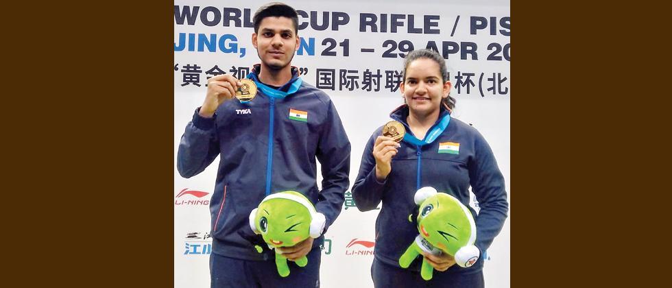 India soar to the top in Beijing WC