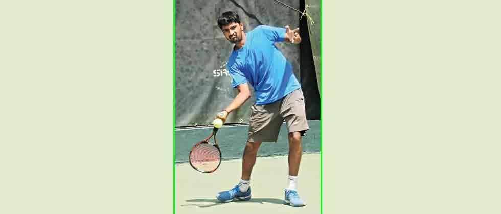 Bendre scores upset win to storm into quarters