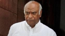 Rahul Gandhi appoints Kharge as in-charge of party affairs in Maharashtra