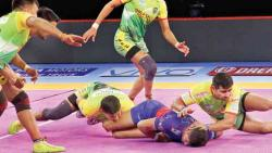 Patna Pirates steal a close win against Dabang Delhi