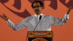 Sena passes resolution to go solo in LS, Maha polls in 2019