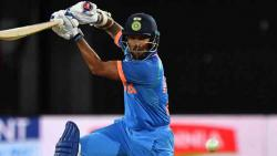 India crush NZ by 8 wickets in first ODI after sun-induced stoppage
