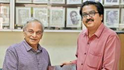 Anandji hands over sound recordings to NFAI