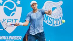 Canadian Schnur edges past Kadhe