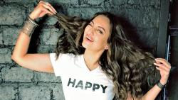 Dad looking forward to watching 'Happy Phir Bhag Jayegi': Sonakshi