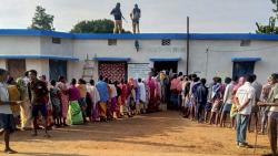 Defying Maoists, Chhattisgarh votes in first phase