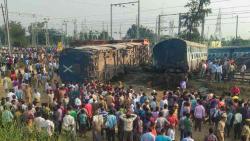 Train derails in UP, 6 dead
