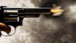Techie booked for threatening to shoot woman