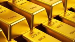 Gold crosses record Rs 40,000-mark as recession fears seep in