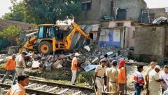 Rlys demolish 203 encroachments