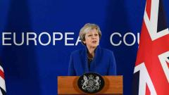 May meets Merkel in bid to save Brexit deal