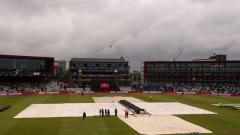 Rain stops play with New Zealand on 211/5 in 46.1 overs