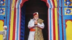 PM offers prayers at Kedarnath, to visit Badrinath on Sunday