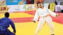 Dev and Poorva clinch gold medals for Maharashtra