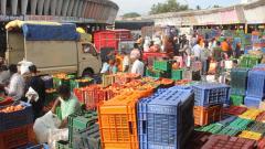 Hamal Panchayat strike continues at Market Yard