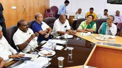 Cong-JDS scramble to save govt as exodus continues; 2 Ind desert HDK, BJP demands CM's resignation